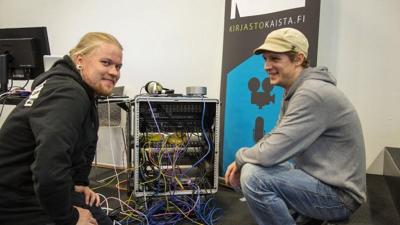 Mikko ja minä stream-räkkimme takana. Kuva Turusta 24.09.2014